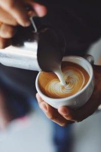 Cappuccino maken met de hand