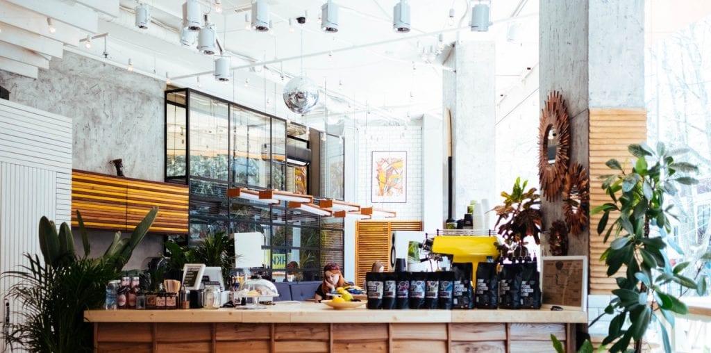 Winkelbeleving met koffie