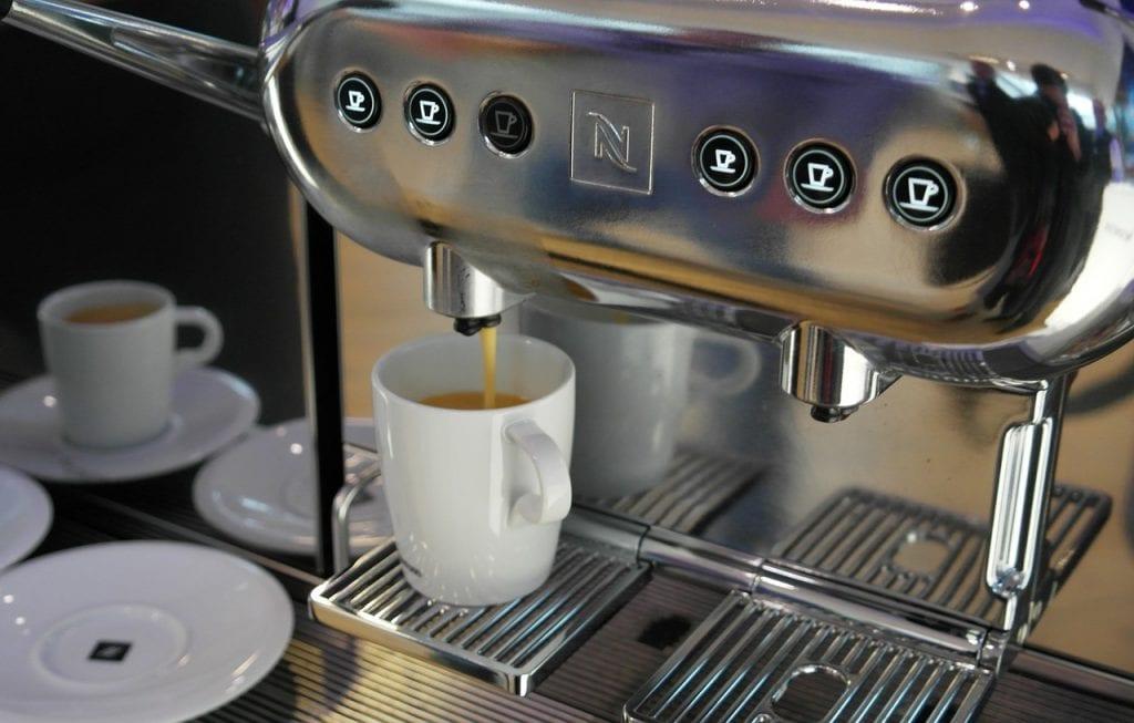 Pistonmachines of automatische espressomachines